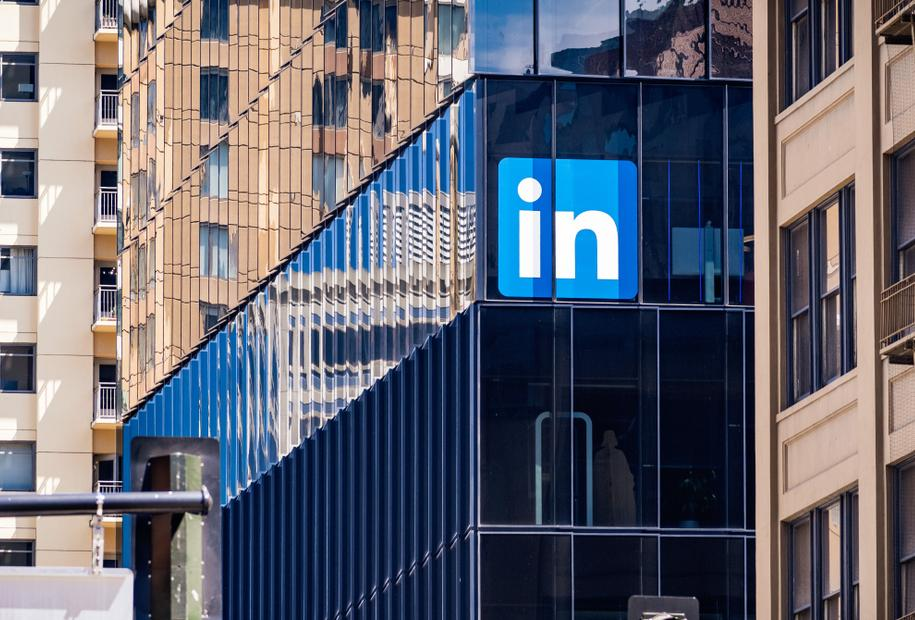 How to Leverage LinkedIn Website Demographics to Improve Targeting Across Channels
